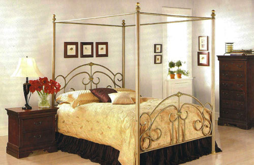Brittney Canopy Bed